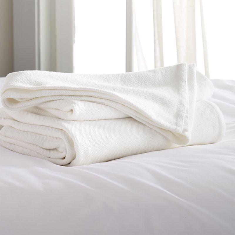 Siesta White King Blanket