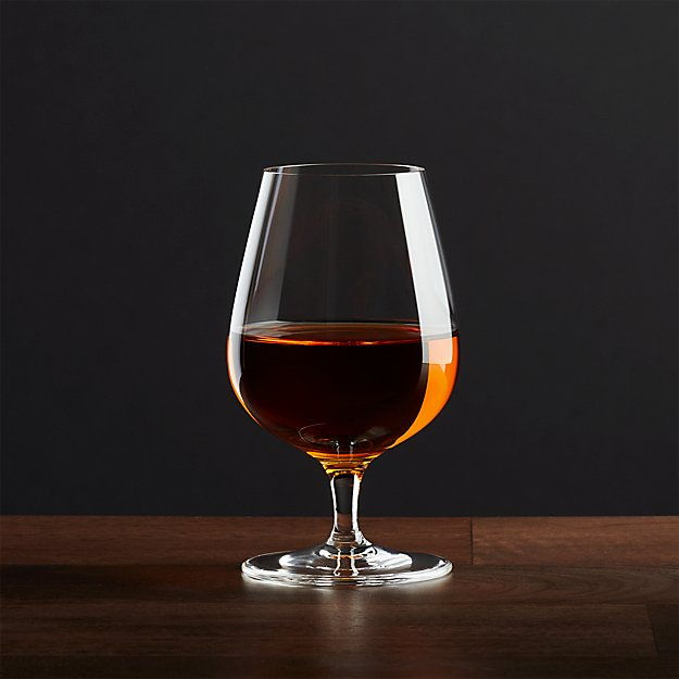 how to hold a snifter
