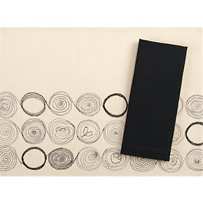 Sketch Placemat and Cotton Black Napkin