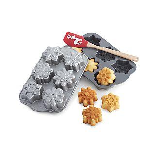 Nordic Ware ® Snowflake Cakelet Pan