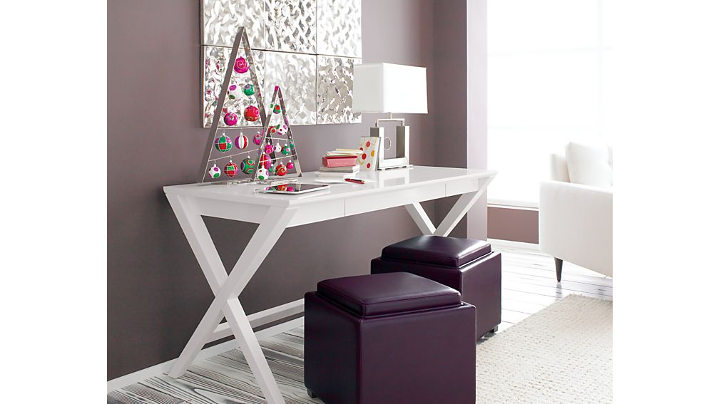 """Spotlight White 58"""" Desk"""