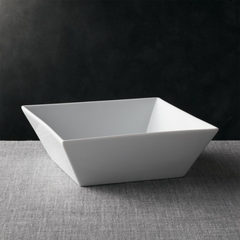 Versatile contemporary styling in chip-resistant white porcelain, sized for large portions and dramatic restaurant-style presentations.<br /><br /><NEWTAG/><ul><li>Porcelain</li><li>Chip-resistant</li><li>Dishwasher-, microwave- and oven-safe to 350 degrees</li><li>Made in China</li></ul>