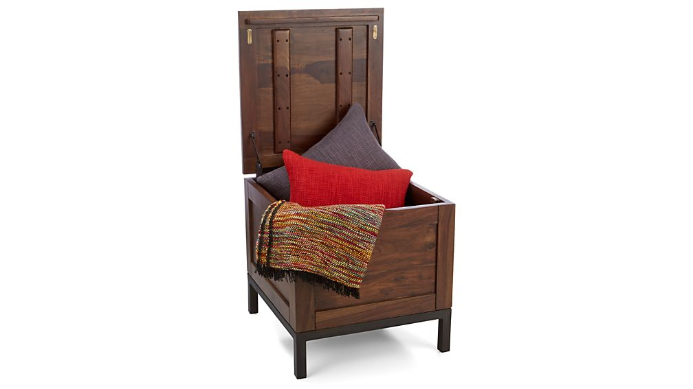 Tucker Side Trunk