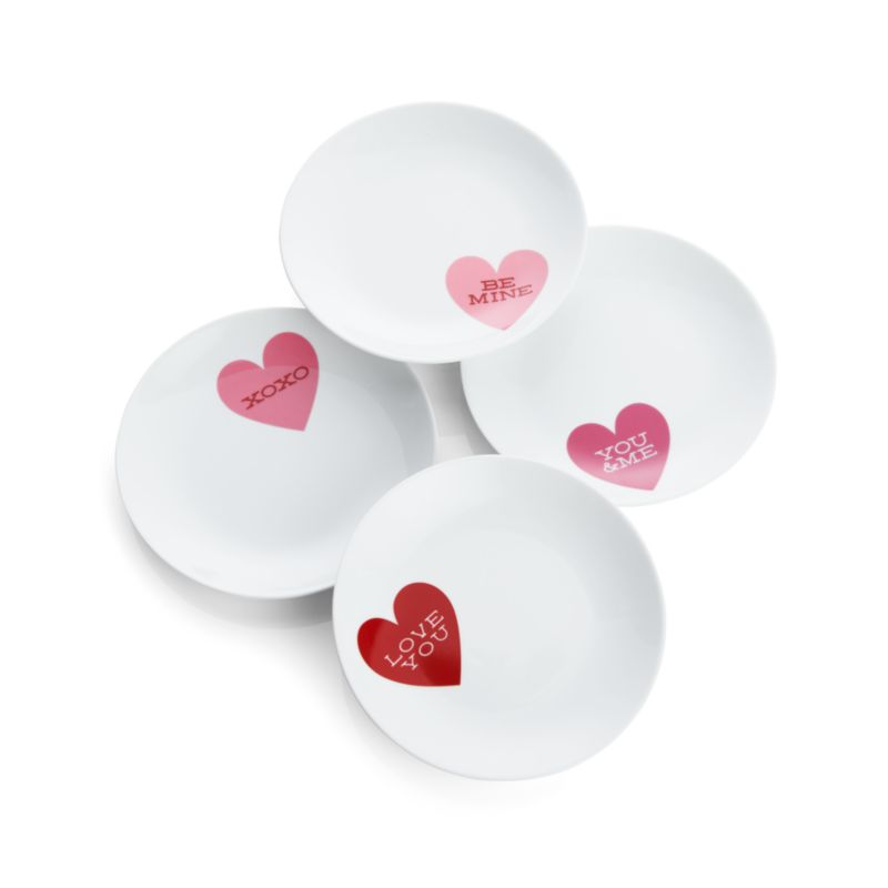Set of 4 Heart plates by Crate and Barrel Valentine's Day Gift Guide for the Cook www.pinchofnutmeg.com