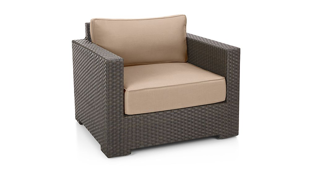 entura Umber Lounge Chair with Sunbrella ® Cushions