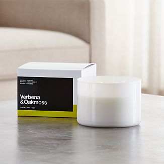 A flicker of fragrance to renew home and spirit. Our exclusive collection of handpoured, soy-blend candles brings together unique scent pairings to express your style and mood. Lemony verbena and earthy oakmoss mingle with essences of bergamot, geranium, cardamom, golden amber, resin and tonka bean.