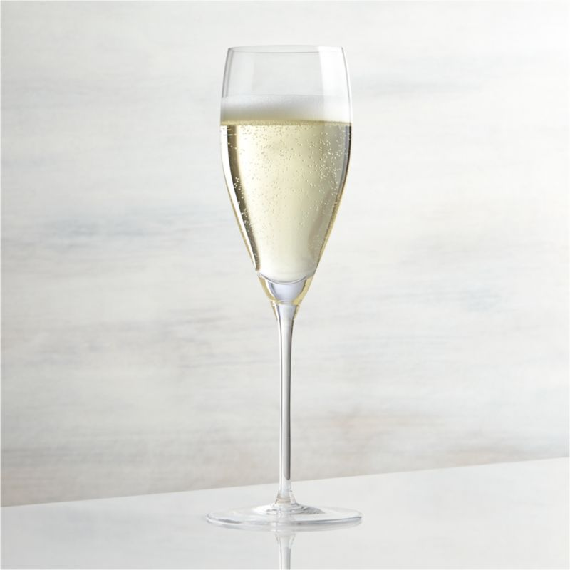 """Great wines deserve the right glass to bring out their distinct aromas and tastes. Our Vineyard wine glass collection offers a suite of glasses, each crafted with specially shaped bowls to enhance enjoyment of white, red and sparkling wines. The narrow profile of this slim glass prolongs the bubbles of fine champagne, prosecco and other sparkling wines. Each elegantly shaped glass is handcrafted by highly skilled European glassmakers.<br /><br />Check out our <a href=""""/ideas-and-advice/housewarming-party-ideas"""">ideas for how to host a housewarming</a> party.<br /><br /><NEWTAG/><ul><li>Handcrafted</li><li>Glass</li><li>Hand wash</li><li>Made in Czech Republic</li></ul>"""