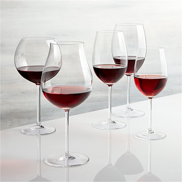 Vineyard red wine glasses crate and barrel - The splendid transformation of a vineyard in burgundy ...