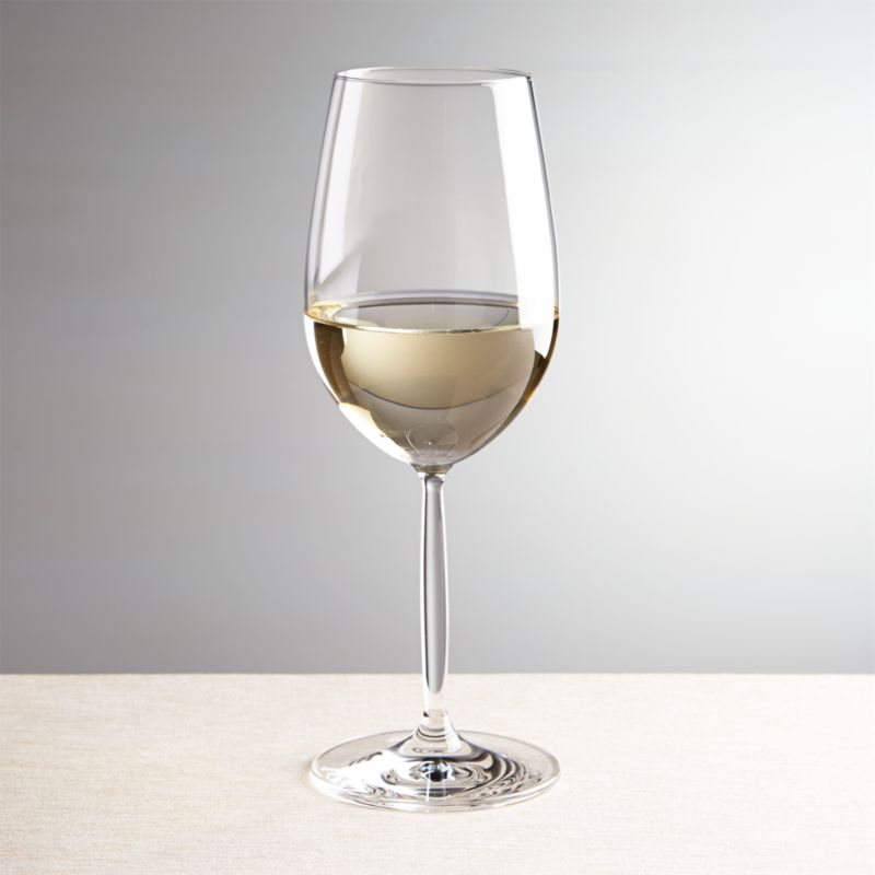 A gently rounded bowl and slender stem make this white wine glass a modern classic. Each glass is handcrafted in Poland by expert glassmakers.