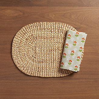 Water Hyacinth Oval Placemat and Tulip Napkin