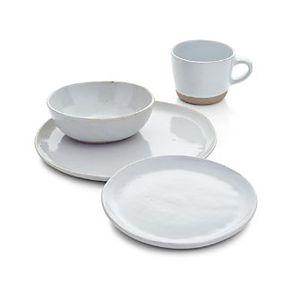 Welcome White 4-Piece Place Setting