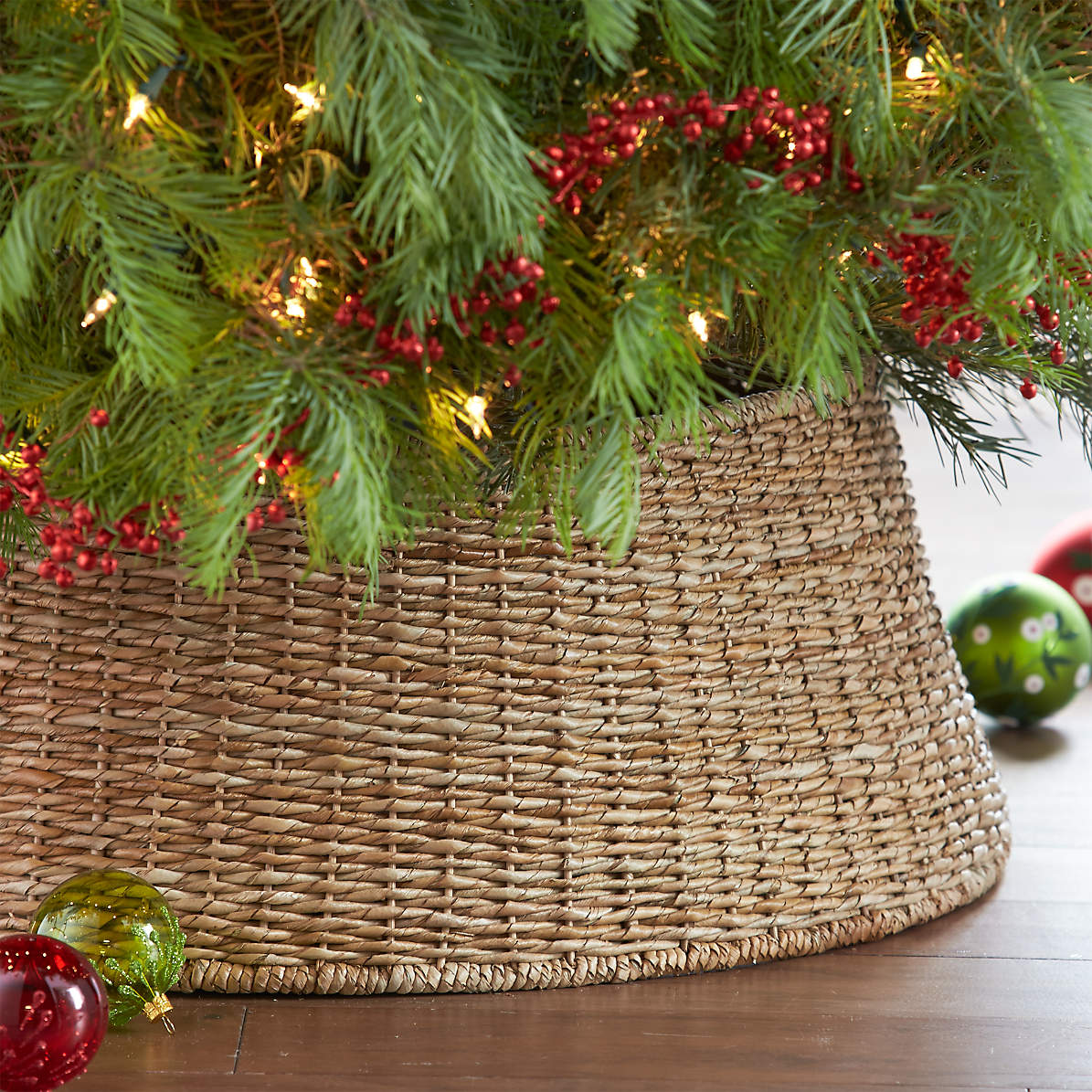 Abaca Woven Christmas Tree Collar Reviews Crate And Barrel