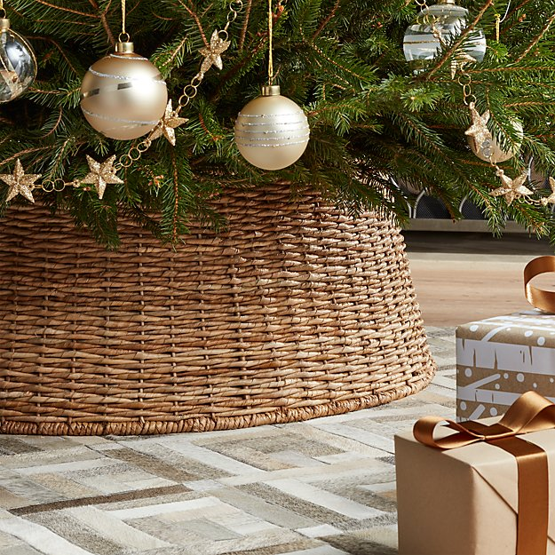 Commercial Christmas Trees From 12 To 100 In Height: Abaca Woven Tree Collar
