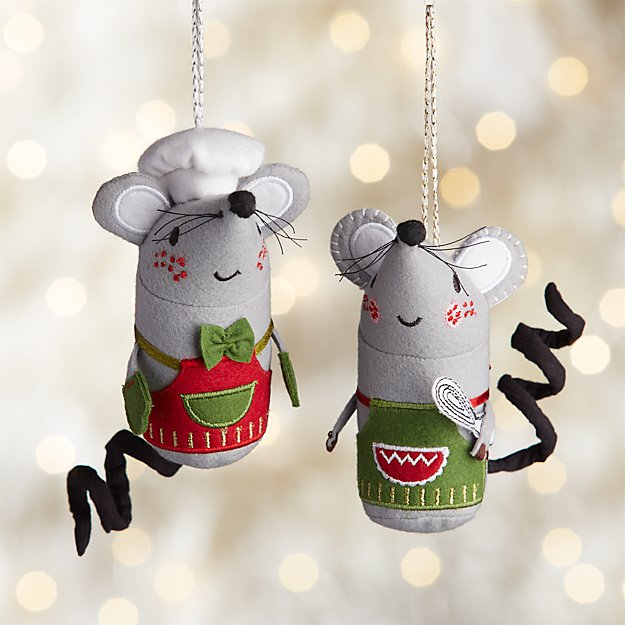 Baking Mouse with Apron Ornaments