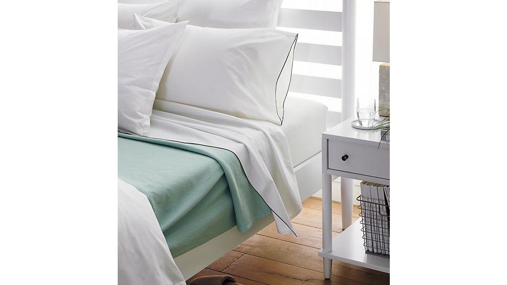 Barnes White Twin Bed