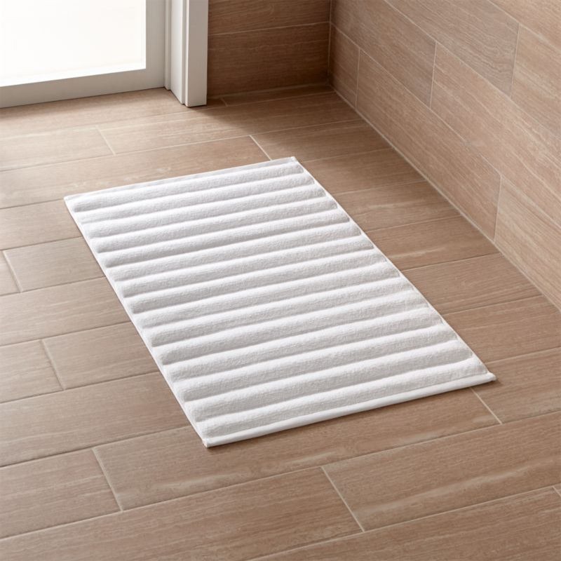 White Bath Mat In Bath Rugs Reviews Crate And Barrel