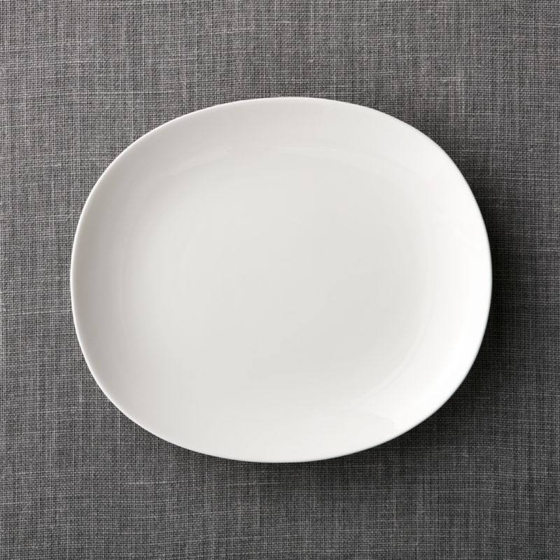 & Bennett Oval Dinner Plate + Reviews | Crate and Barrel