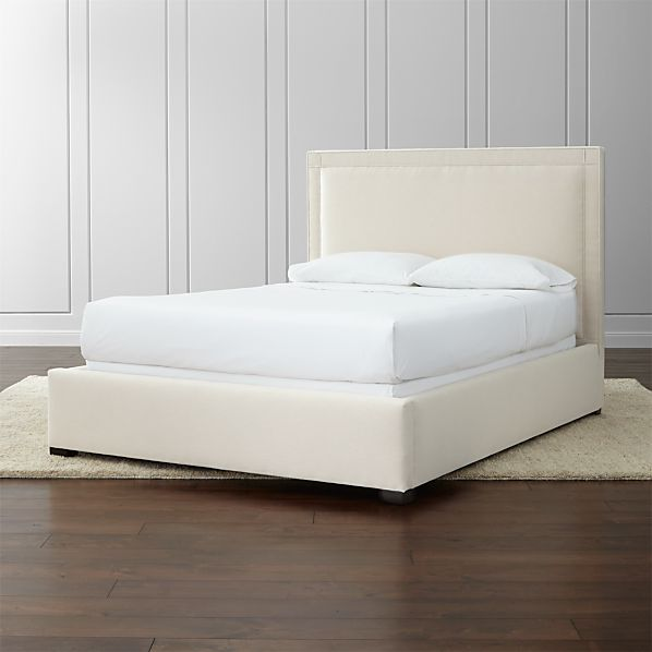 Border Upholstered Queen Bed