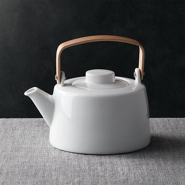 Bree Teapot - Image 1 of 7