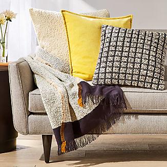 Dinard Pillow Arrangement
