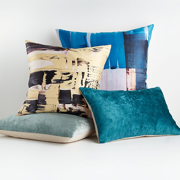 Bostezi Pillow Arrangement - Image 1 of 1