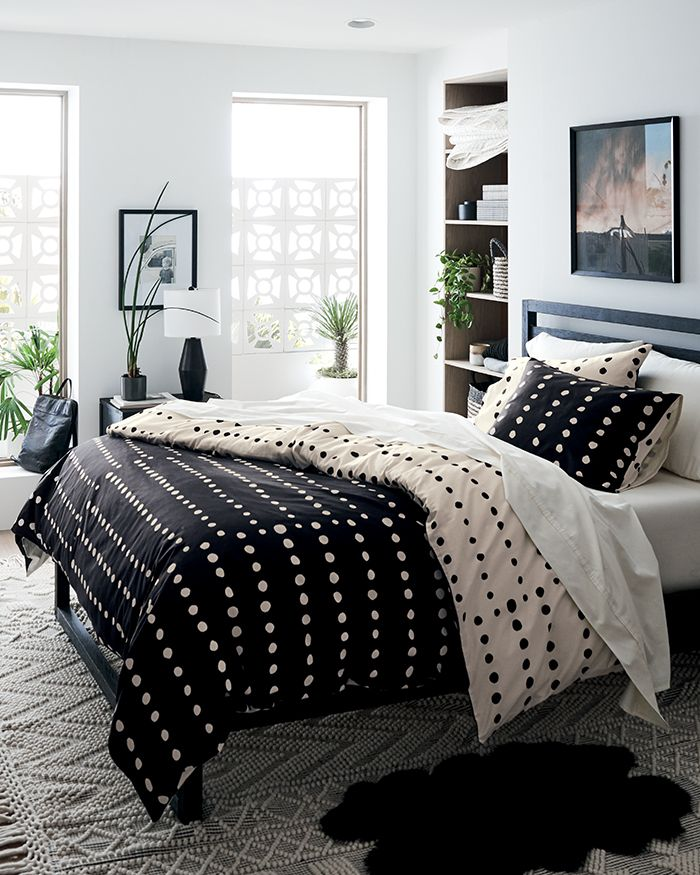 How To Style Your Bed Bedding Ideas Crate And Barrel