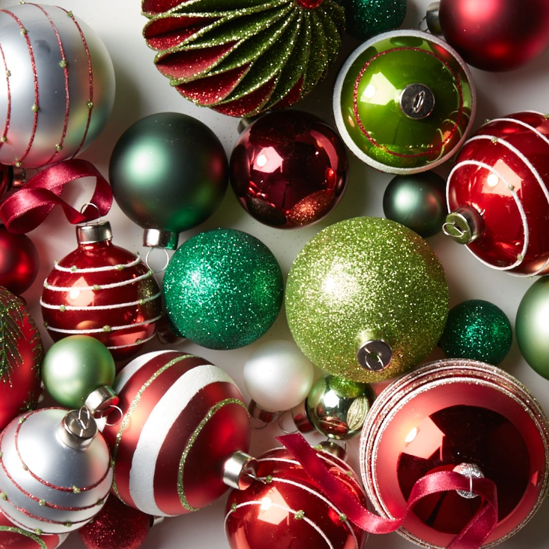 Decorated Christmas Balls: Christmas Decorations For Home And Tree