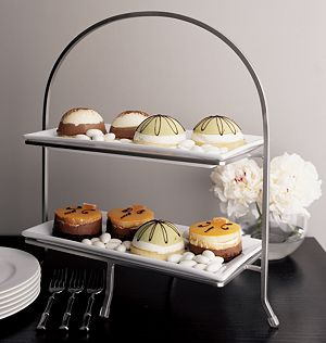 Cambridge 2-Tier Server with Plates