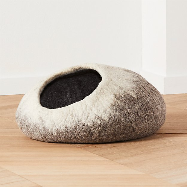 Ombre Cat Cave - Image 1 of 3