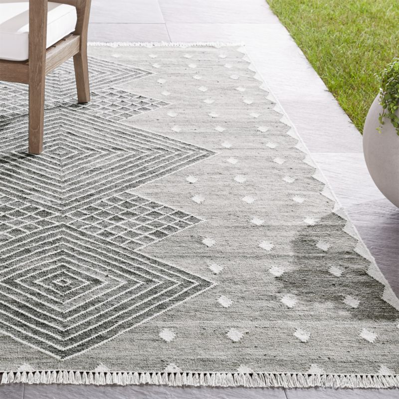 Ceri Grey Indoor Outdoor Rug Crate