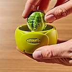 Chef'n ® Twist 'n' Sprout Brussel Sprout Tool