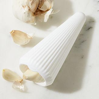 Chef'n ® GarlicCone ™ Garlic Peeler