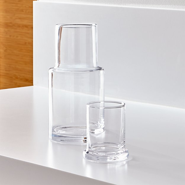 crate & barrel clear glass carafe