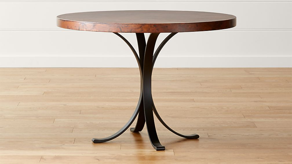 Cobre 42 round iron bistro table with copper top crate for Table y copper