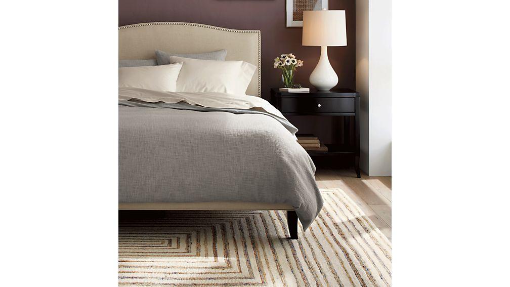 Colette Upholstered Full Bed