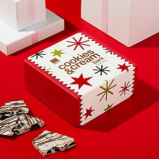 cookies and cream bark - Candy Christmas Gifts