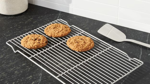 Can I Put A Cooling Rack In The Oven