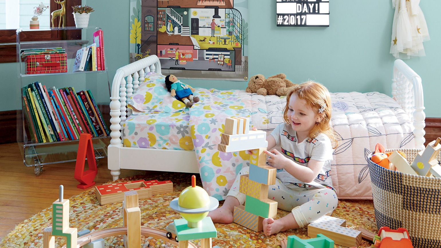 Kids bedding and bathroom decor crate and barrel for Crate barrel comforter