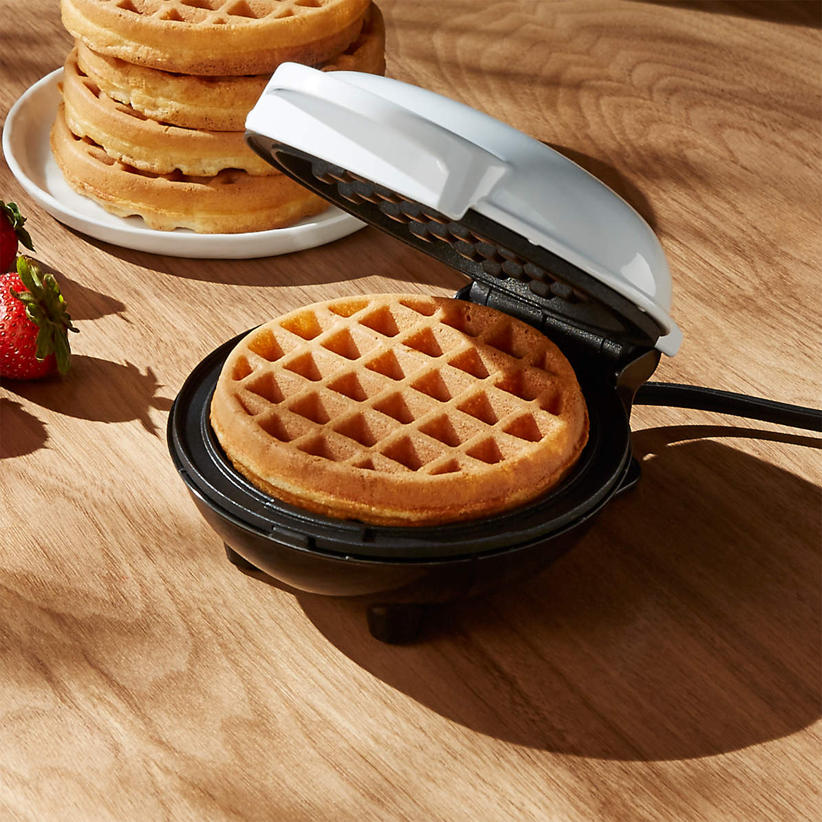 Dash White Mini Waffle Maker + Reviews