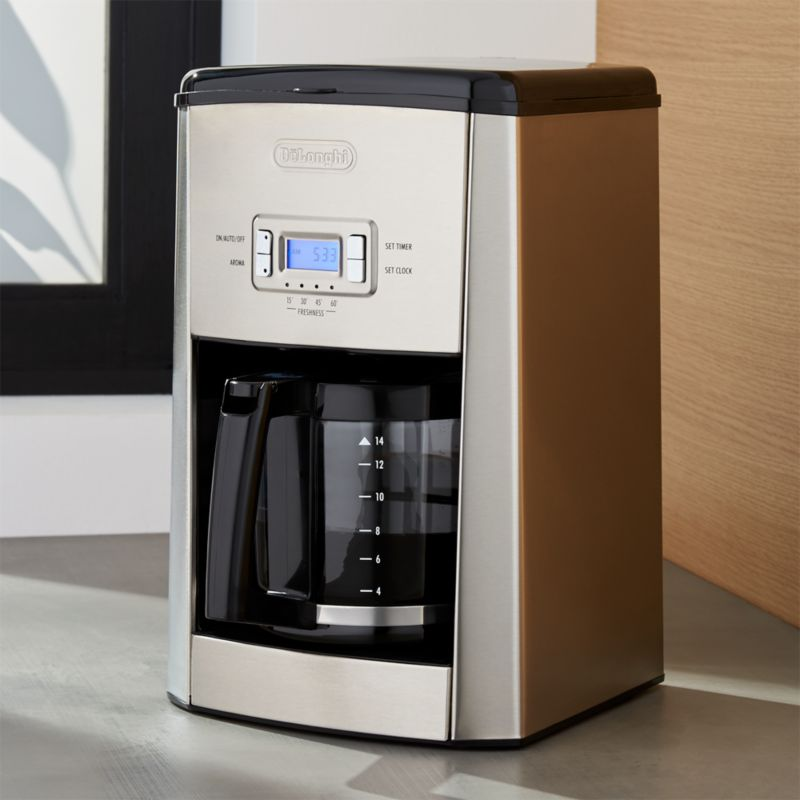 programmable coffee maker delonghi 174 14 cup programmable drip coffee maker crate 12717