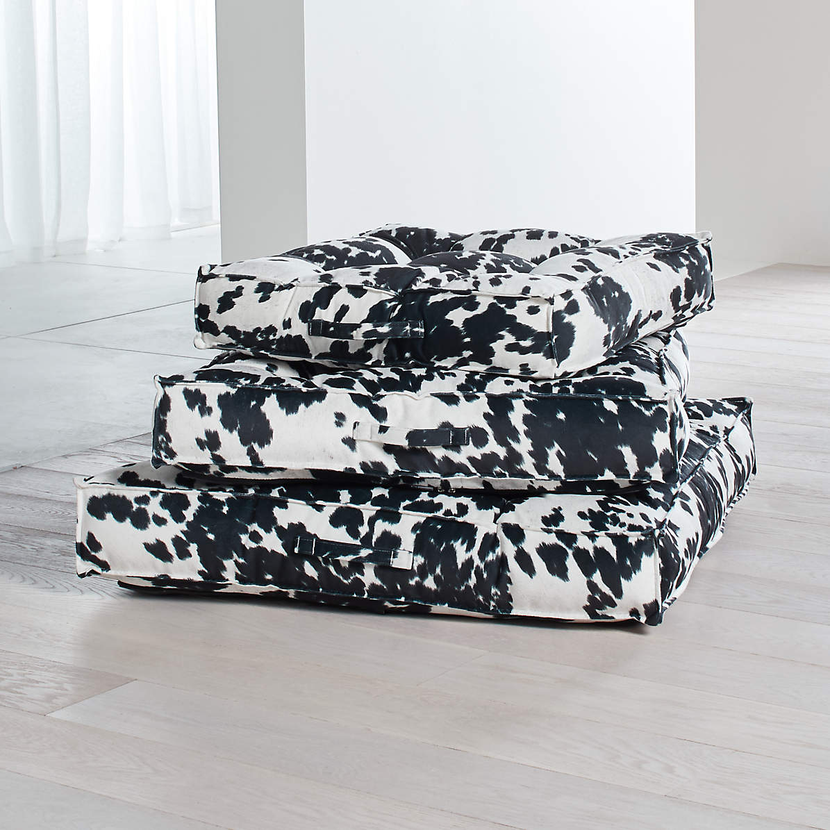 Picture of: Piazza Tufted Dog Beds Crate And Barrel
