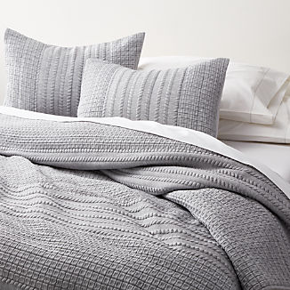 Doret Grey Jersey Quilts and Pillow Shams