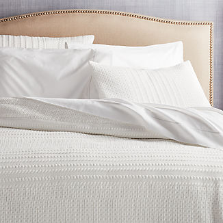 Doret White Jersey Quilts and Pillow Shams