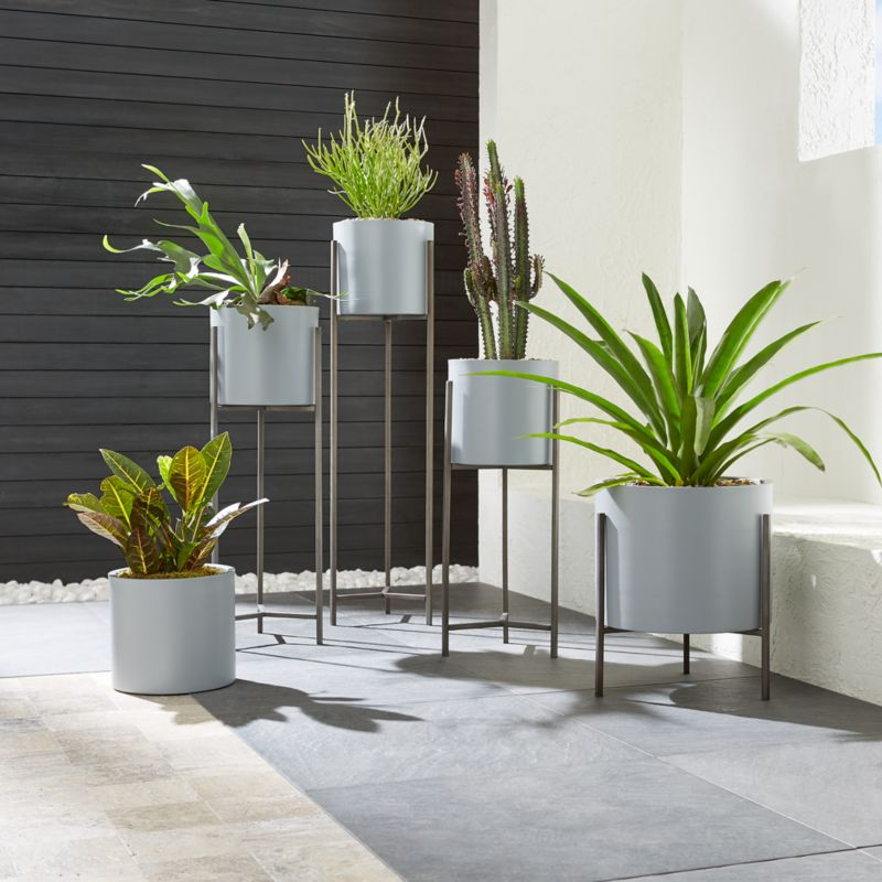 Dundee Light Grey Planters With Stands