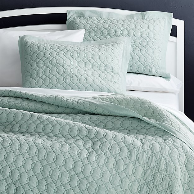 Elize Aqua Quilts and Pillow Shams