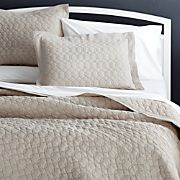 Elize Chambray Natural Full/Queen Quilt