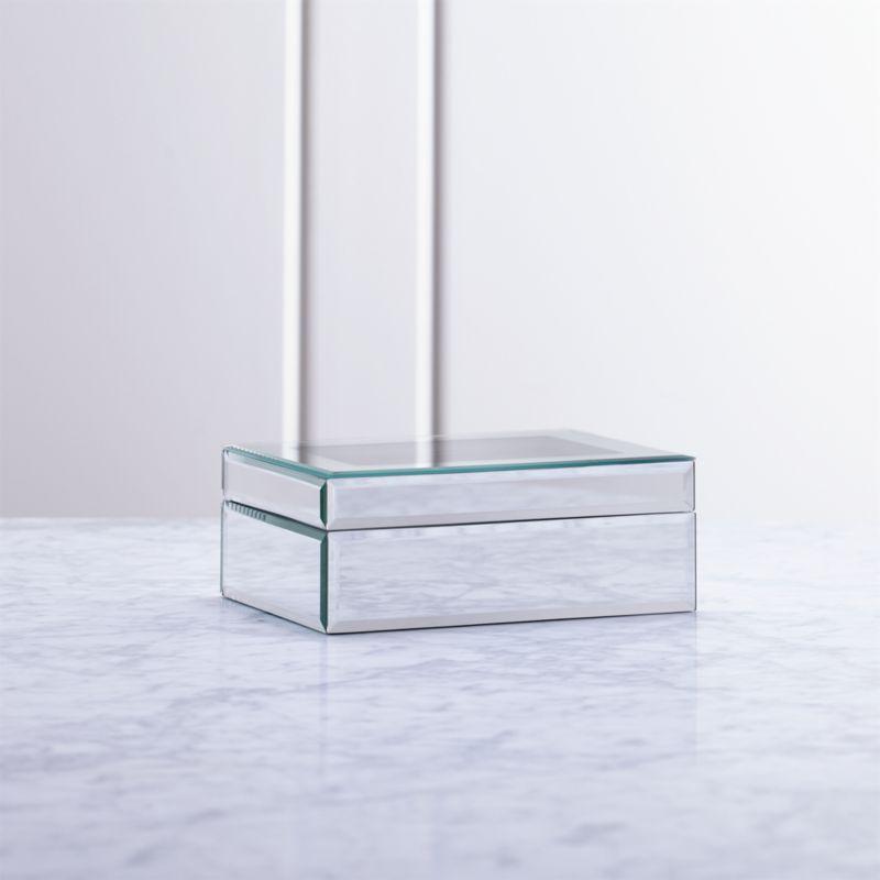 Eleanor Small Jewelry Box