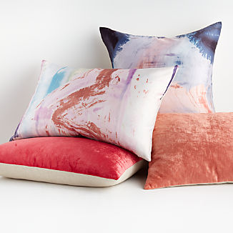 Estela Pillow Arrangement