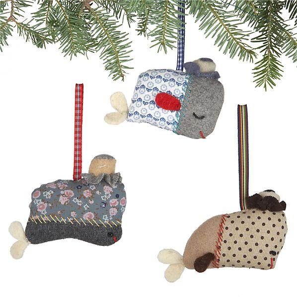 Set of 3 Fabric Whale with Hat Ornaments