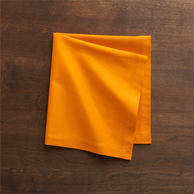 "Soft cotton napkins mix and match gorgeous tones of saturated color. Elegant yet easy-care napkin is tailor finished with 1"" hem and mitered corners.<br /><br /><NEWTAG/><ul><li>100% cotton</li><li>Machine wash cold, tumble dry; warm iron as needed</li></ul>"